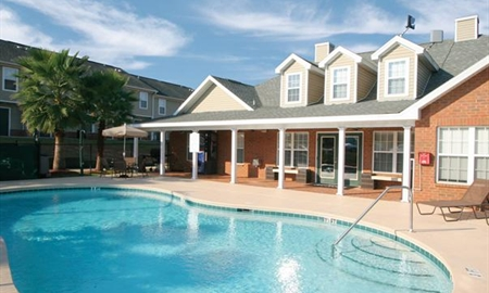 apartments in tallahassee college club